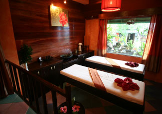 Massage at Chidaraya Spa, Baan Talay Guesthouse