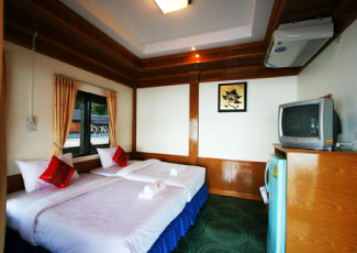 COMFORTABLE ROOM WITH FULL FACILITIES