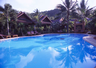 LUXURY SWIMMING POOL  AT SALAD BEACH RESORT