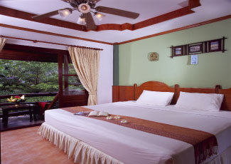 COMFORATBLE ATMOSPHERE INSIDE ROOM