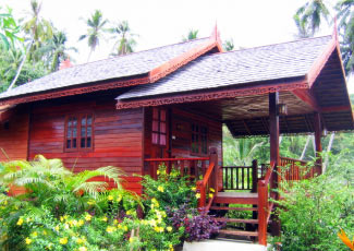 FAMILY BUNGALOW AT SMILE BEACH