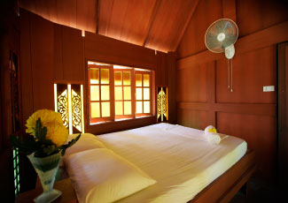 SEA VEIW FAN BUNGALOW WITH 1 DOUBLE BED
