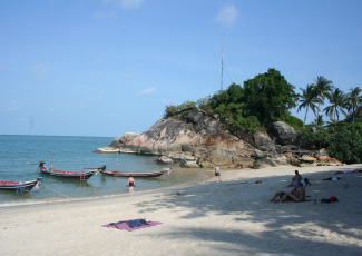 RELAXING ON THE BEACH AT MAI PEN RAI BUNGALOWS