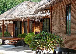 BEACHFRONT  BUNGALOW WITH 1 DOUBLE BED