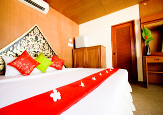 WOODEN BUNGALOW WITH A DOUBLE BED