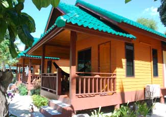 AIR  CON  BUNGALOW  AT  SANDY  BAY  BUNGALOWS