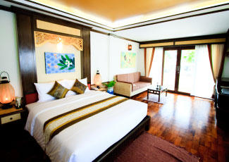 GRAND ROOM WITH COMFORTABLE FEELING