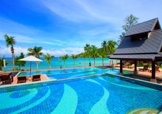 BEACHFRONT SWIMMING POOL