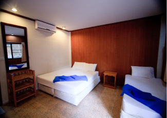 Air Con Room with 1 Double/1 single Bed
