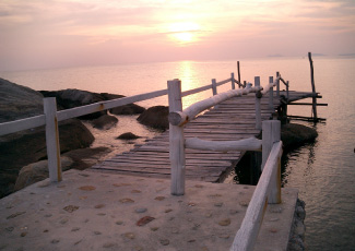 WARMLY SUNSET AT LIGHTHOUSE BUNGALOWS
