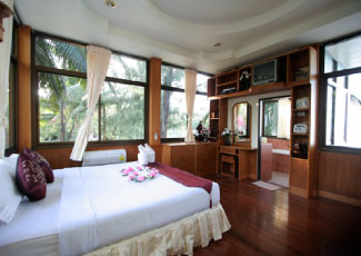 Spacious Honeymoon Deluxe Bungalow