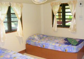 STANDARD FAN ROOM WITH 2 SINGLE BEDS