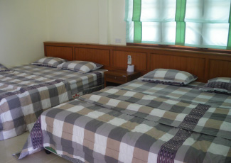 BEACH FRONT AIR CON ROOM WITH 2 DOUBLE BEDS