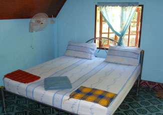 STANDARD FAN BUNGALOW WITH 1 DB, H/W, TV, FRIDGE, KITCHEN AND WESTERN TOILET