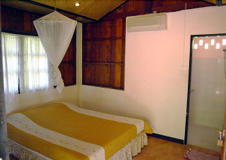 STANDARD AIR-CON BUNGALOW WITH 1 DOUBLE BED