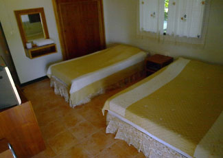 SUPERIOR AIR-CON BUNGALOW WITH  2 SINGLE BEDS
