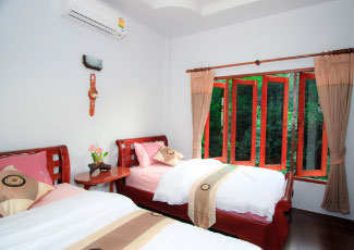 SUNSET VIEW BUNGALOW 2 SINGLE BEDS