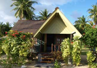 WOODEN FAN BUNGALOW WITH 1 DOUBLE BED