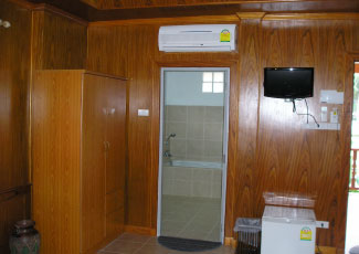 AIR CON BUNGALOW (TYPE C) WITH AMENITIES IN ROOM