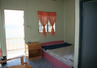 sea view single bed