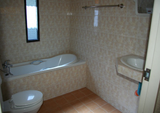 Bahtub in Air Con Bungalow with 2 Beds