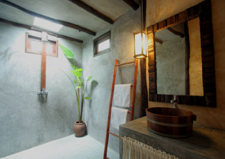 Simple-but-Chic-in-Shower-Room-with-Rain-Shower