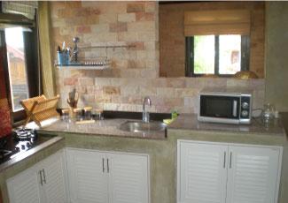 Beach house 's kitchen