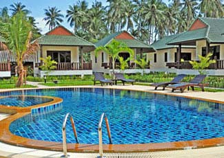 Deluxe Pool Side Family Bungalows