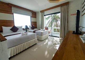 Deluxe Beachfront Room