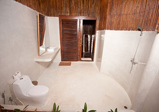 Tropical Family Bungalow Toilet