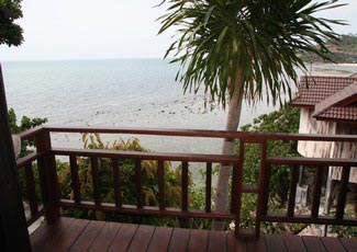 Sea View Air-Con Bungalow with 1 Double, UBC-TV, Fridge, and Hot Shower