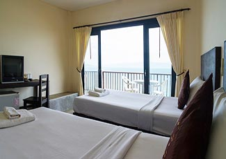Sea View Deluxe 2 Single Beds