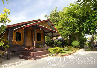 Beachfront Wooden Air-Con Bungalow