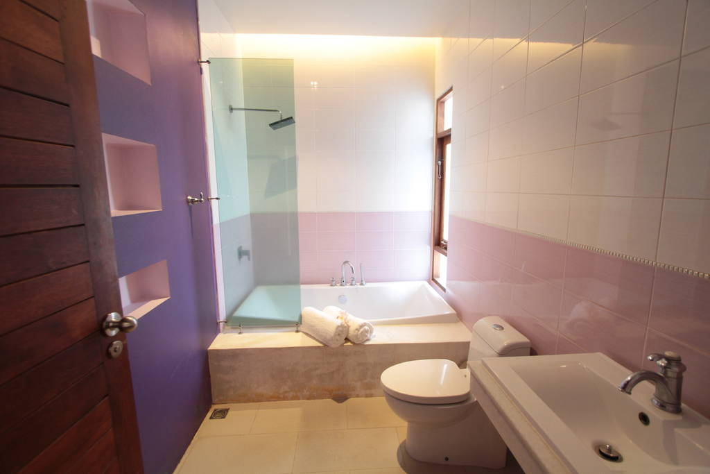 Bathroom in Master Bedroom with a good size Bath