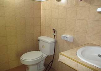 Fan Bungalow Hot Shower